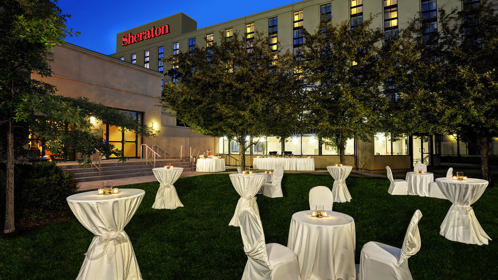 Event Venues Toronto - Toronto Airport Meetings Outdoor Reception