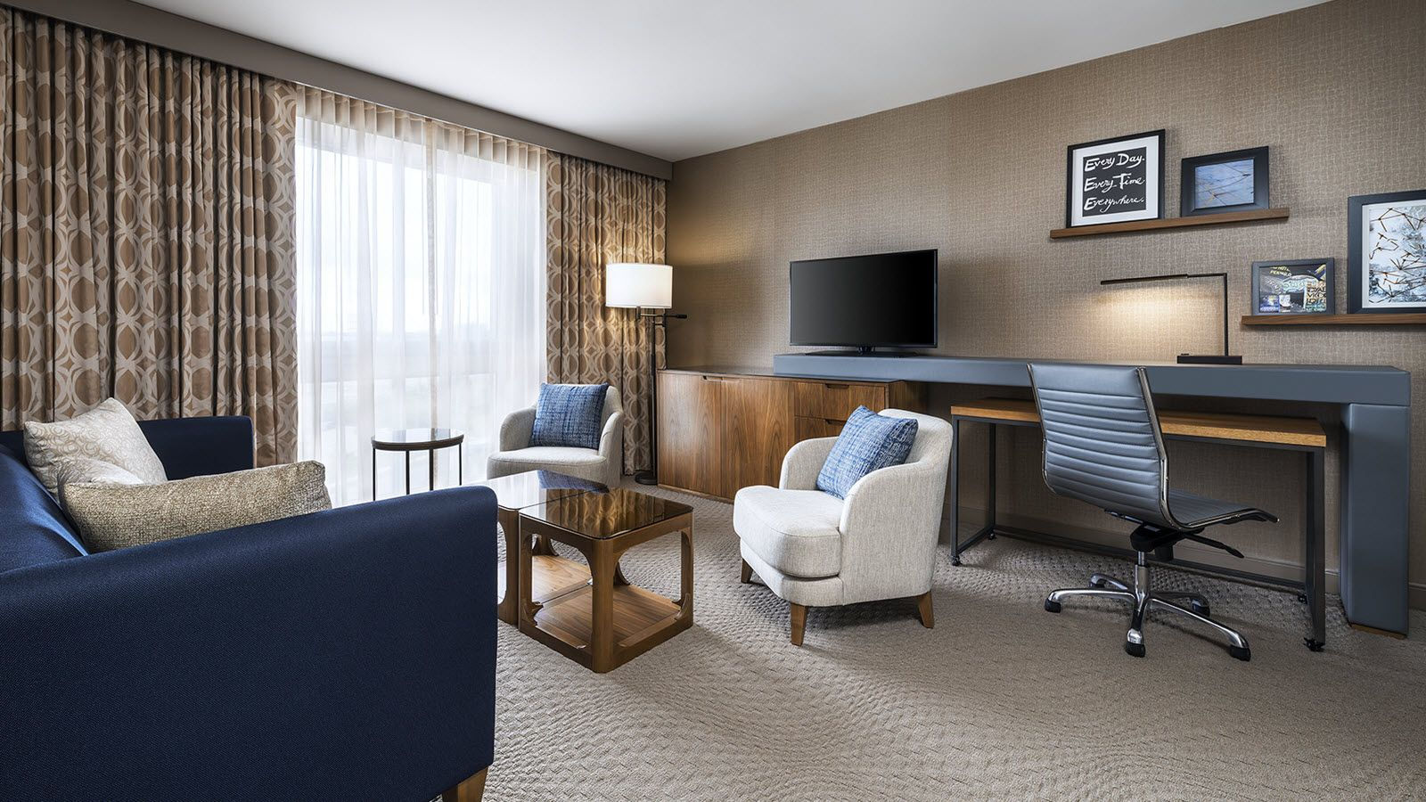 Junior Suite Parlour | Sheraton Toronto Airport Hotel & Conference Centre